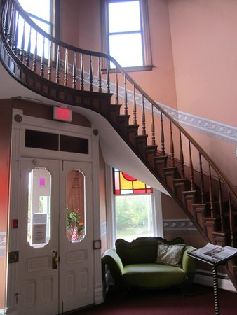 Ann Starrett Mansion Boutique Hotel: Hanging Stairway