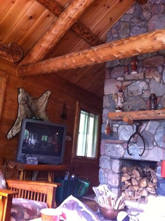 Gunflint Pines Resort & Campgrounds: The big cabin on eastern edge of resort