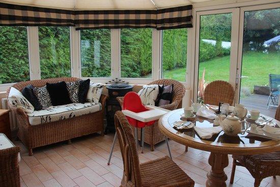 Glen na Smole Bed and Breakfast: Sun room