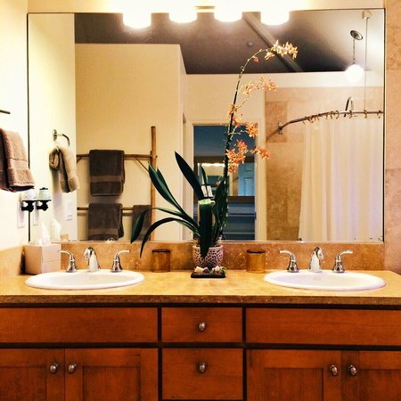 The Palmwood: His & Hers bathroom Upper Suite