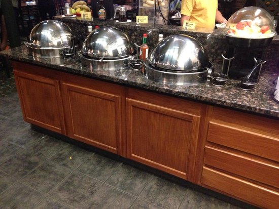 Best Western Plus Longbranch Hotel & Convention Center: Breakfast Buffett
