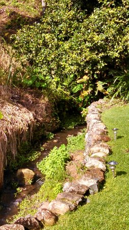The Haven Hotel and Spa: Stream next to the hotel