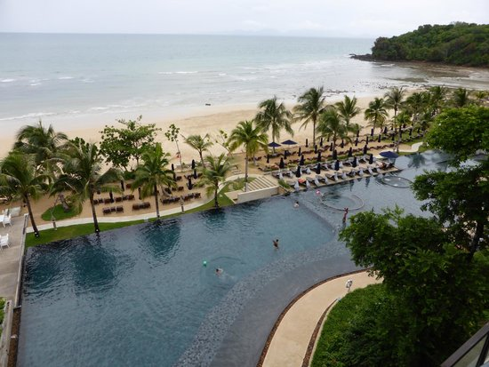 Beyond Resort Krabi: The infinity pool & beach