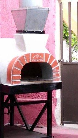 Al Forno Pizzas: Horno artesanal de leña