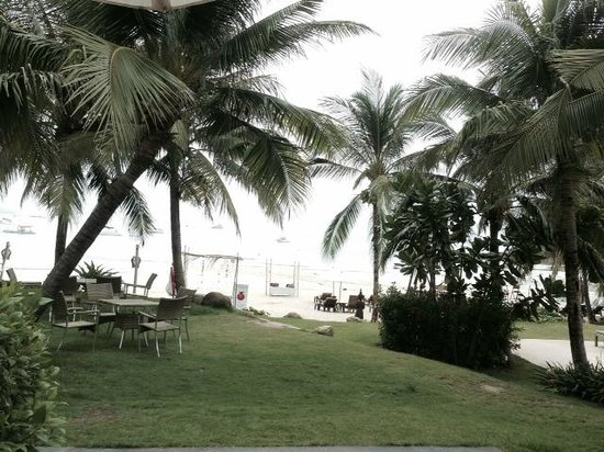 Royal Muang Samui Villas : Beach View