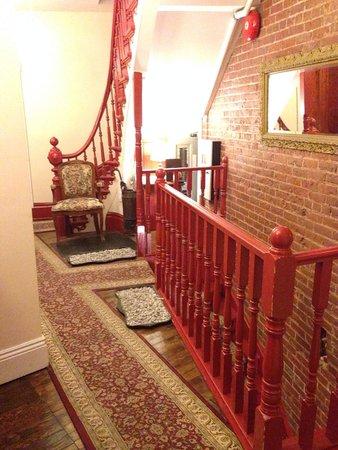 Chateau des Tourelles: Stairway