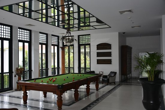 The Siam: Snooker Table