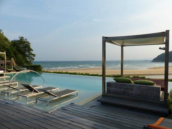 Club Med Cherating Beach: Zen Pool : a nice quiet place to enjoy doing nothing...