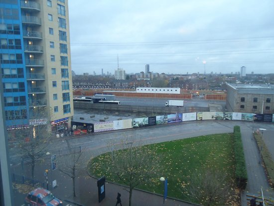 Ibis London Excel Docklands: Vista do quarto