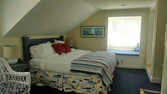 Glen Cove Inn & Suites: King Water View