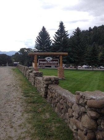 Mount Princeton Hot Springs Resort: 看板