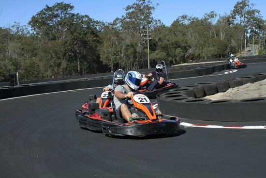 Slideways - Go Karting World: Have you got what it takes, to beat your mates?