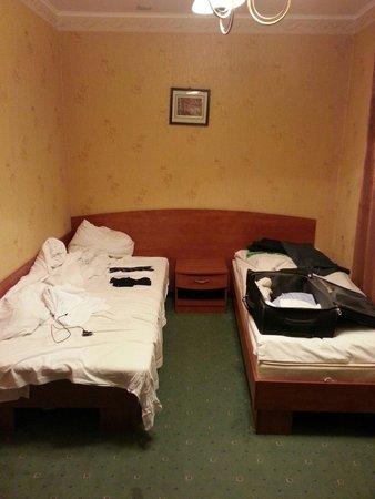 Hotel Paradiso: The roomThe room !