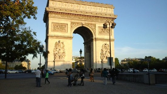 Arc de Triomphe from the west