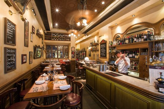 bar picture of bouchon bistro francais hong kong