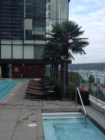 Fairmont Pacific Rim : Pool Area