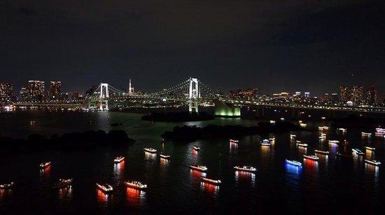 Hilton Tokyo Odaiba: 夜のお台場