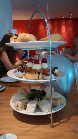 Lanes Restaurant: afternoon tea