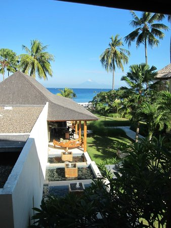 Qunci Villas Hotel: View from the bed in our room!