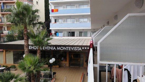 Evenia Montevista Hotel: Wejście do hotelu