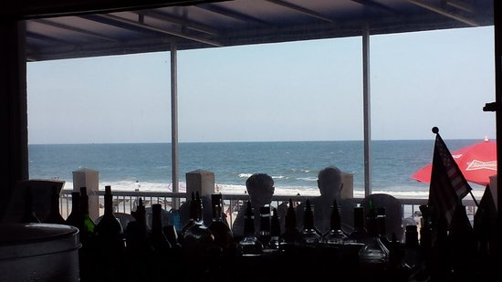 Sandy Bottoms Beach Bar & Grill: Beautiful Ocean Views While You Enjoy A Meal
