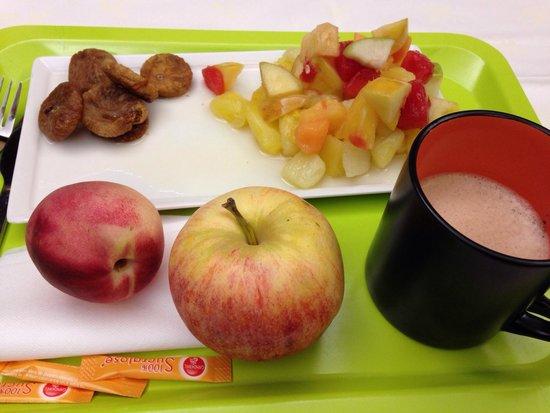 Ibis Styles Dijon Central: Petit déjeuner ultra sain!