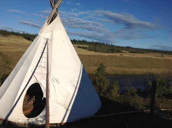 Big Bar Guest Ranch: Beautiful tipi scenery