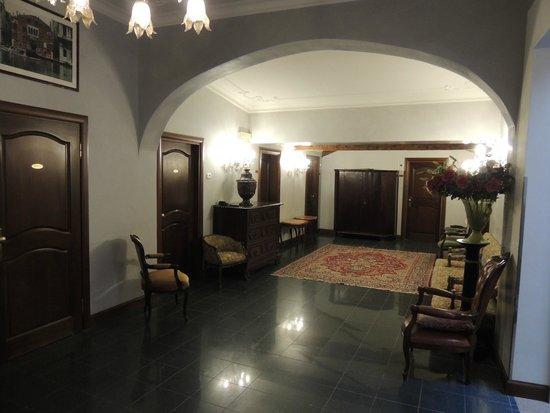 Hotel San Cassiano - Residenza d'Epoca Ca' Favaretto: Third floor lobby