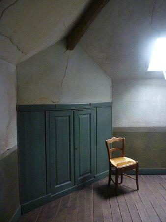 Van gogh 39 s room picture of maison auberge de van gogh for Auberge ravoux maison van gogh