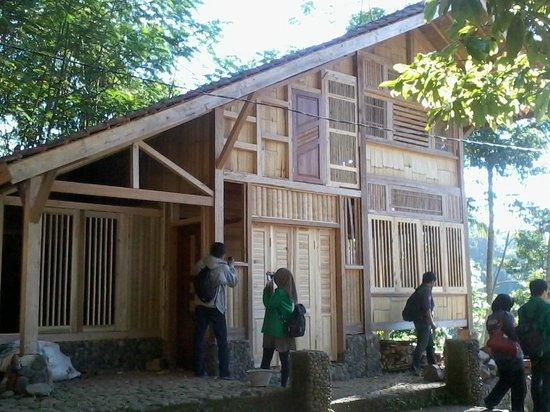 Kampung Naga: Typical of Local Resident (Up Areas)