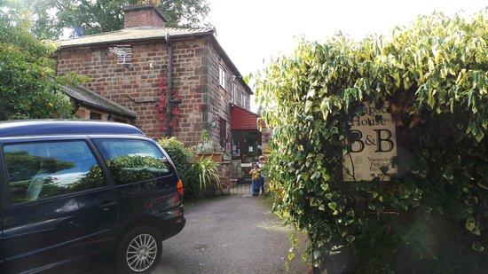 Prospect House: entrance