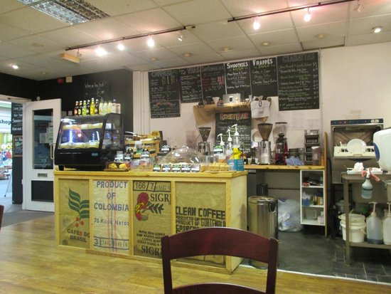 Cotswold Artisan Coffee: The cafe