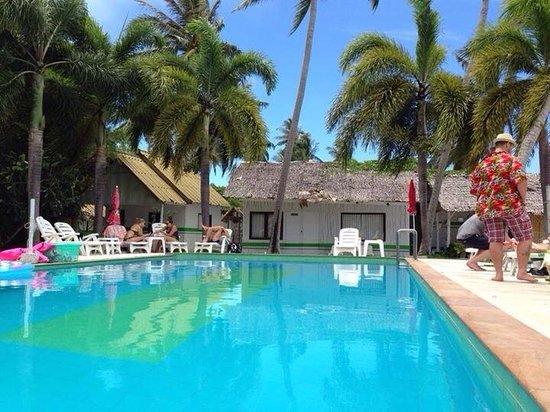 Lime n Soda Beach Front Resort: Pool too!!