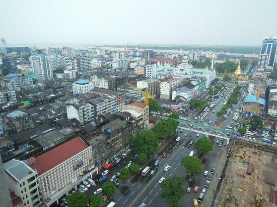 Sule Shangri-La Yangon : view from hotel