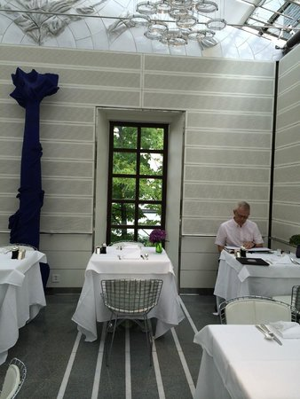 Widder Hotel : Small but beautiful breakfast room - bright and cheerful!