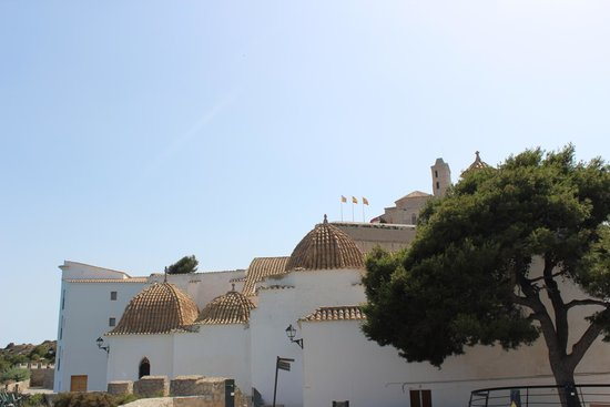 Dalt Vila: Hacia la catedral