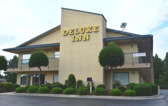 Photo of Deluxe Inn Fayetteville