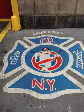 GhostBusters Firestation : out front