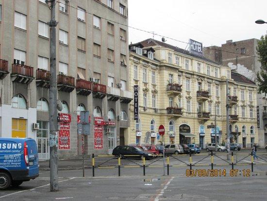 Belgrade City Hotel : Hotel Front