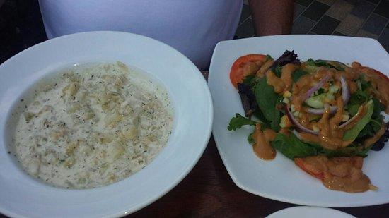 Lemongrass Grill Seafood & Bar : Seafood chowder and Mac Nut Salad