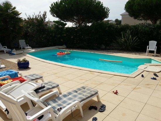 Le Domaine de Vertmarines : La piscine qui fuit !