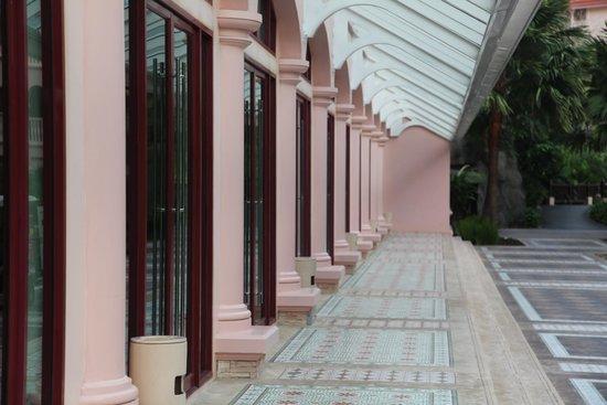 Centara Grand Beach Resort Phuket : бизнесс центр