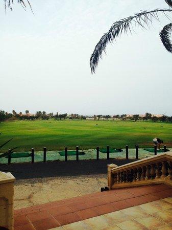 Hotel Elba Palace Golf: Vision campo de Golf desde zona Bar.