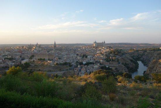 Parador de Toledo: Vue sur la ville depuis l hotel