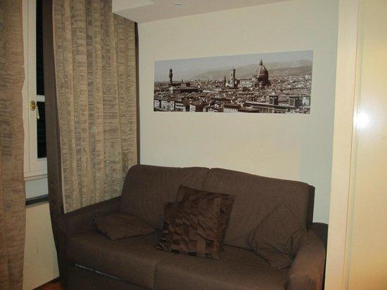 Hotel Embassy : Divano (camera 803).