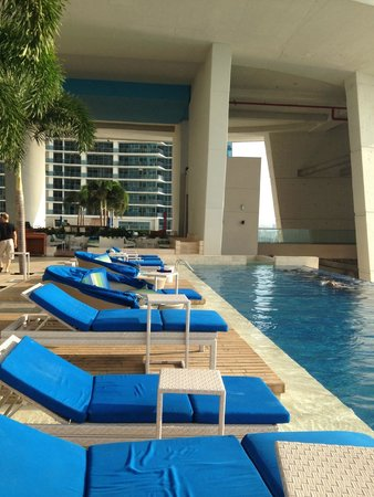 Trump Ocean Club International Hotel & Tower Panama: Somptueuses piscines, avec vue sur le Pacifique...