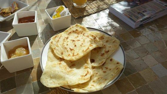 Riad Miski : Yummy pancakes at breakfast