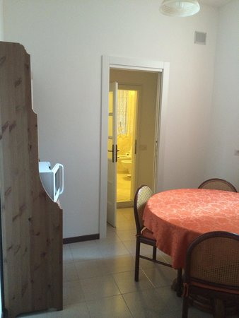 Fiò & Giò: Patio room, connects to bathroom and sitting area between two bedrooms. Free tea!