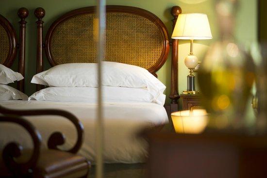 Camera superior particolare letto matrimoniale picture of palace