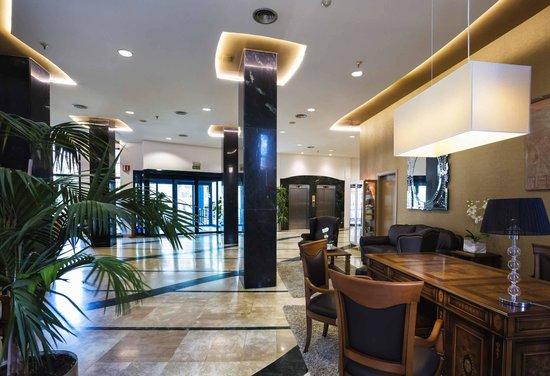 Hotel Principal: Recepción